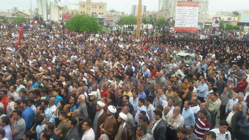 کازرون.تظاهرات هزاران نفر از مردم کازرون به سمت محل نمازجمعه رژیم.970207 2