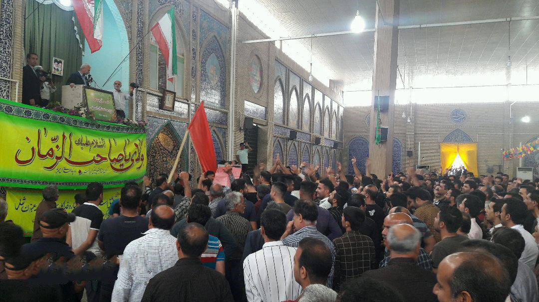 کازرون.تظاهرات هزاران نفر از مردم کازرون به سمت محل نمازجمعه رژیم.970207 4.jpg
