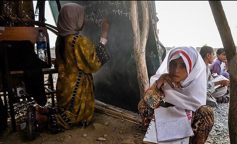baluch_children_going_to school_in_poor_conditions.jpg